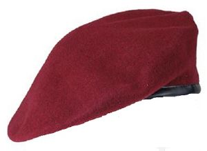 BERET ROUGE 100 % PURE LAINE TAILLE 56