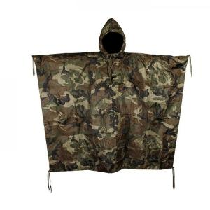 PONCHO RIPSTOP CAMOUFLAGE WOODLAND AVEC CAPUCHE