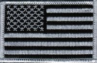 ECUSSON OU PATCH DRAPEAU USA GRIS ET NOIR BRODE THERMO COLLANT