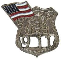 BADGE / PIN'S / EPINGLE / INSIGNE EN METAL ARGENTE - OFFICIER DE POLICE DE NEW YORK