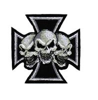 ECUSSON OU PATCH CROIX AVEC 3 TETES DE MORT BRODE THERMO COLLANT
