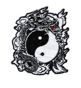 ECUSSON OU PATCH DRAGON AVEC SYMBOLE YING ET YANG BRODE THERMO COLLANT